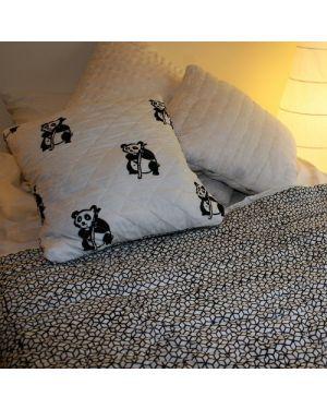 Black Panda quillow